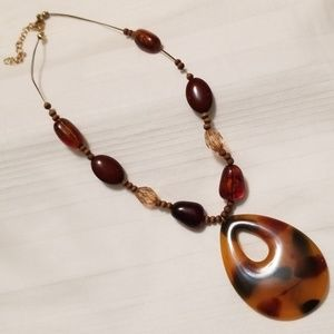 Jewelry - Wire Large Tortoise Shell Bead Necklace